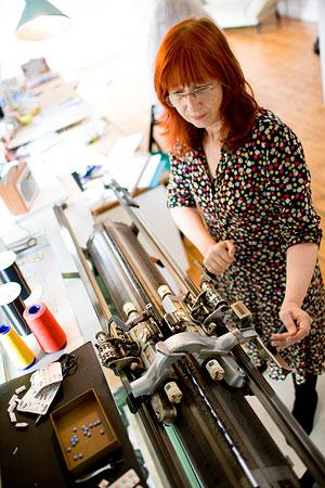 Wieg tot Graf: Susie Freeman knitting